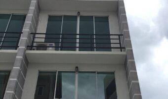 PH410 ให้เช่าตึกแถว-อาคารพาณิชย์ ซอยติดกับปั๊ม PT ถนนบางกรวย-ไทรน้อย