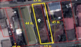 P316 ด่วนค่ะ!!! ขายที่ดินรูปแปลงสี่เหลี่ยมผืนผ้า ราคาถูกมาก เขตประเวศ ผังสีแดง 1 งาน 38 ตร.ว. ทำเลดีมากๆ เยื้องห้างพาราไดซ์พาร์ค